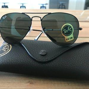 New Dark Green Lens RayBan (NWT) 55mm